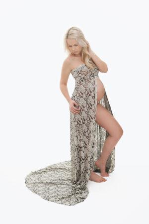 Elisabeth- luksuslik ja pilkupüüdev must-valge pitskleit pildistamiseks